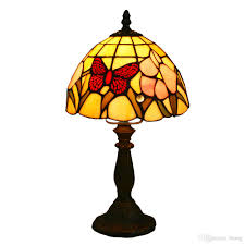 2017 high quality 8 inch tiffany table lamp with butterfly and