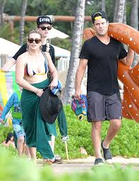 hilary duff vacations with ex hubby mike comrie in maui u2014 days