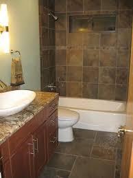 Ceramic Tiles For Bathroom by Best 20 Slate Tile Bathrooms Ideas On Pinterest Tile Floor