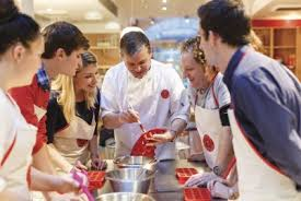 cours de cuisine en groupe cours de cuisine pour 2 à l atelier des chefs péclet à 75015