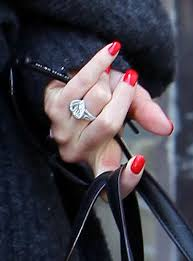 gwen stefani photos photos gwen stefani getting her nails done