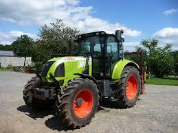 tracteur en bois un groupe tracteur en cuma pour baisser les charges de