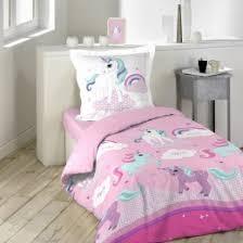 mobilier chambre enfant meuble enfant lit table de chevet et meuble de rangement