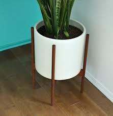 Where To Buy Large Planters by Is The Modernica Case Study Planter Worth 200 Dans Le Lakehouse