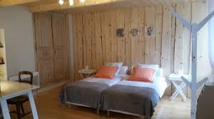 chambre d hote lelex pomme de pin location de skis chambres d hôtes et gîte