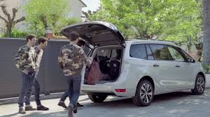 citroen c4 picasso trunk new citroën c4 picasso hands free tailgate youtube