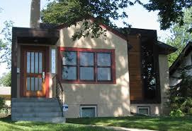 do modern homes in old neighborhoods look cool or like eyesores