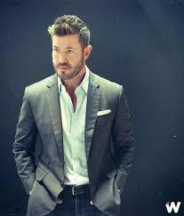 jesse palmer new haircut espys red carpet host jesse palmer teases show talks caitlyn