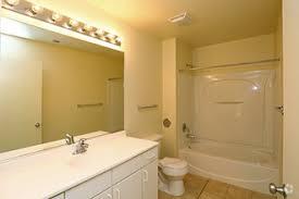 Woodstock Bathrooms Woodstock Commons Rentals Woodstock Il Apartments Com