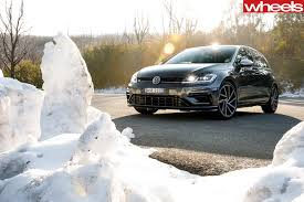 volkswagen family tree 2017 honda civic type r vs ford focus rs vs volkswagen golf r 7 5
