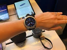 apple vs android wear why most all smartwatches for
