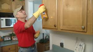 How Clean Kitchen Cabinets Cleaning Kitchen Cabinets Grease Best Cleaner For Wood Kitchen
