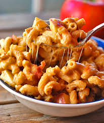 butternut squash mac and cheese with caramelized onions bacon