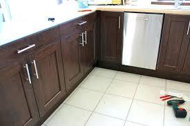 poign s meubles cuisine poignee porte meuble cuisine poignee de placard cuisine cuisine