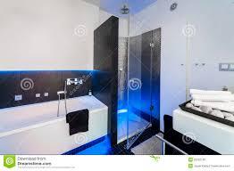 Bad Verputzen Modernes Badezimmer Mit Dusche Lizenzfreie Stockbilder Bild