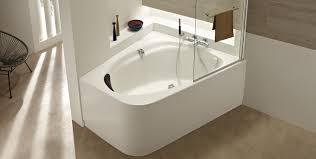 si e pour baignoire choisir sa baignoire selon la taille de salle de bain espace aubade