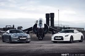 nissan gtr vs lamborghini two nissan gt rs vs fighter jet transportation pinterest