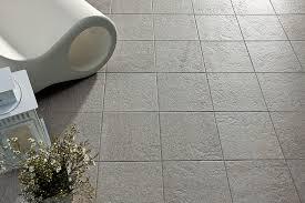 piastrelle x esterni mattonelle grigie best pavimento esterno xx cm grigio pei r