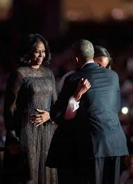 does michelle obama wear hair pieces michelle obama returned to a favorite designer for the president s