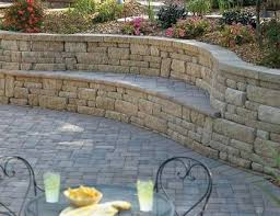 Patio Retaining Wall Ideas Best 25 Retaining Wall Patio Ideas On Pinterest Retaining Wall