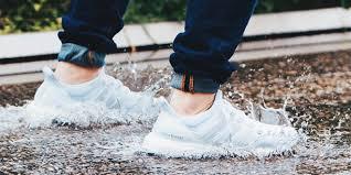 foto bagnate asciuga scarpe come asciugare le scarpe bagnate