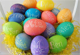 how to color easter eggs to make personalized dyed easter eggs for the entire family