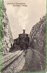 treno cremagliera rocchette asiago vicenza treno a cremagliera fuori stazione 1920