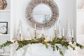 Images Of Mantels Decorated For Christmas 34 Easy And Elegant Christmas Mantel Ideas