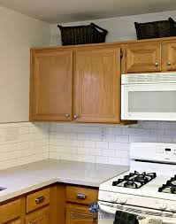 what paint colors go with oak cabinets popular paint colors for kitchens with oak cabinets