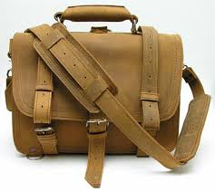 saddleback leather company briefcase review