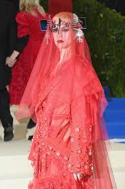 Katy Perry Costume Katy Perry In Red Steampunk Shroud At 2017 Met Gala