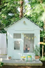 cool outdoor playhouse designs for little boys and little girls
