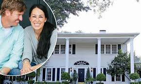 waco texas real estate chip and joanna gaines fixer upper s chip and joanna gaines buy 113 year old estate in