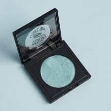 this emerald green eyeshadow is well pigmented with lots of shimmer exactly what i ve e to expect from medusa s makeup eyeshadows