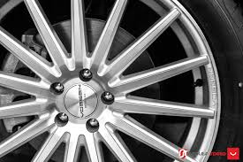 volkswagen atlas white with black rims even 21 in wheels look normal on vw u0027s big atlas suv