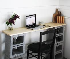 Diy Simple Wood Desk by 8 Easy Diy Furniture Ideas With Upcycled Cinder Blocks And Bricks