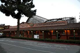 celebrate thanksgiving with knott s berry farm s meals