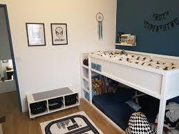 chambre theme chambre garçon thème superheros chambre enfant bleu noir blanc lit