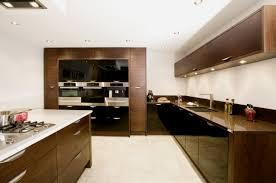 cuisine blanc et noyer cuisine et blanc noyer laquee ideeco
