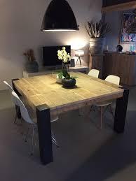pied de table cuisine table carrée avec pieds en métal brut tables en ancien bois d