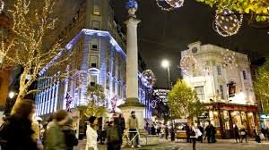 christmas shopping day out in london shopping visitlondon com