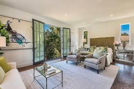 Kris Jenner Bedroom Furniture Kris Jenner Secretly Plunks Down 10 Million Across The Street
