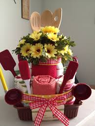 kitchen tea gift ideas 162 best towel cakes images on gifts wedding towel