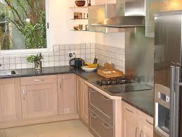 corniche pour cuisine corniche bois pour meuble cuisine corniche baguette pour murs et