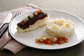 comment cuisiner le cabillaud recette de cabillaud en croûte de d épice riz madras facile et