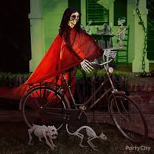 Halloween Decoration Skeleton Cat by Halloween Skeleton And Bike Idea Haunted House Entrance Ideas
