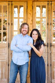 chip and joanna gaines tour schedule chip and joanna gaines home garden shed tour people com