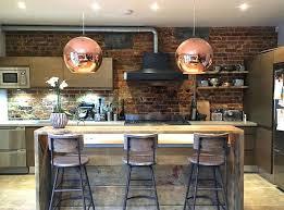 briques cuisine decoration de cuisine moderne cuisine industrielle avec murs briques