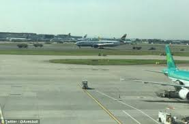 dramafire twitter british airways plane in full emergency landing drama at heathrow