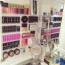 would love some makeup storage like this